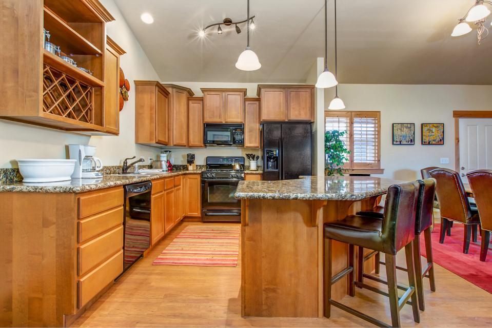 Luxury Bear Hollow Condo - Park City Vacation Rental - Photo 9