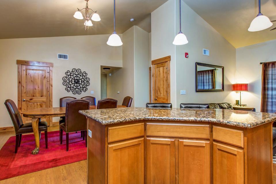 Luxury Bear Hollow Condo - Park City Vacation Rental - Photo 12