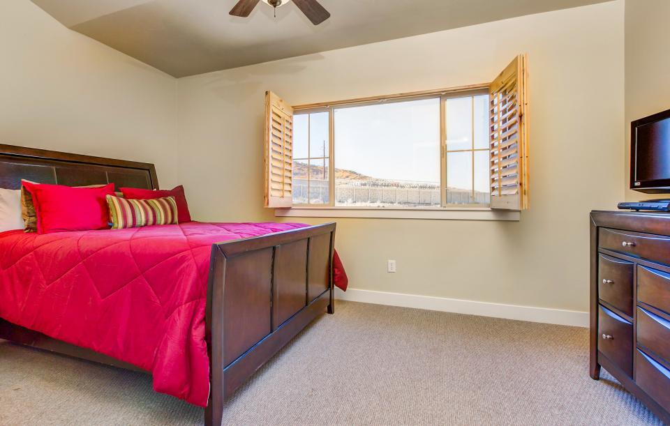 Luxury Bear Hollow Condo - Park City Vacation Rental - Photo 14
