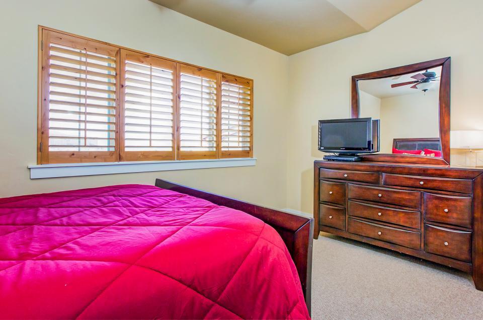 Luxury Bear Hollow Condo - Park City Vacation Rental - Photo 16