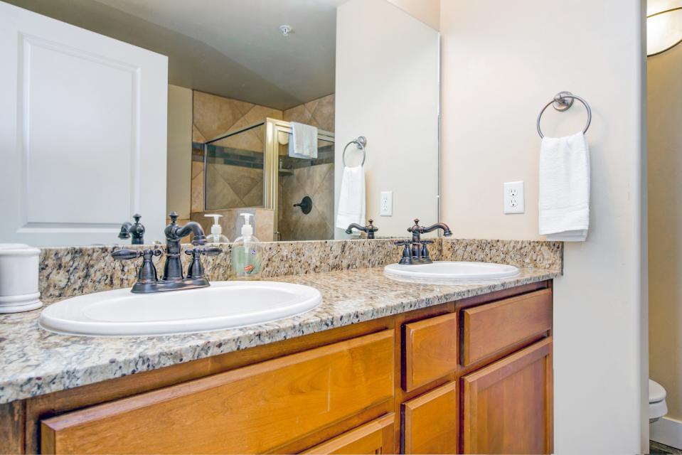 Luxury Bear Hollow Condo - Park City Vacation Rental - Photo 20