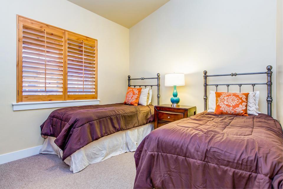 Luxury Bear Hollow Condo - Park City Vacation Rental - Photo 17