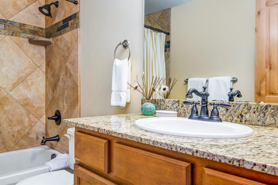 Luxury Bear Hollow Condo - Park City Vacation Rental - Photo 18