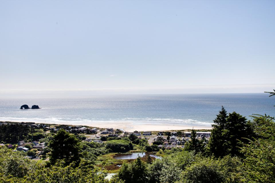 Pacific View Paradise  - Rockaway Beach Vacation Rental - Photo 33