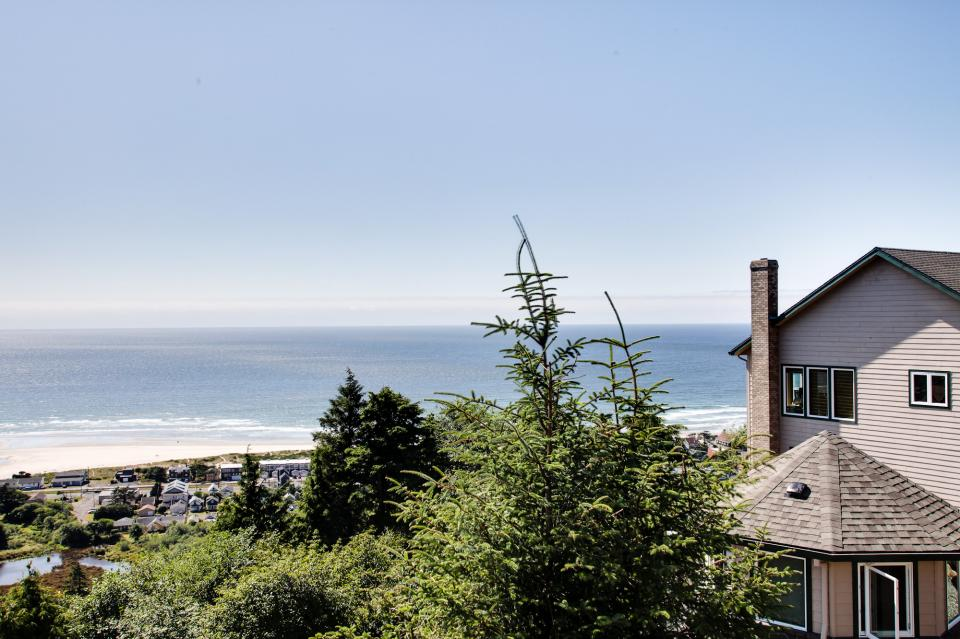 Pacific View Paradise  - Rockaway Beach Vacation Rental - Photo 15