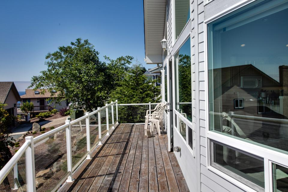 Pacific View Paradise  - Rockaway Beach Vacation Rental - Photo 13