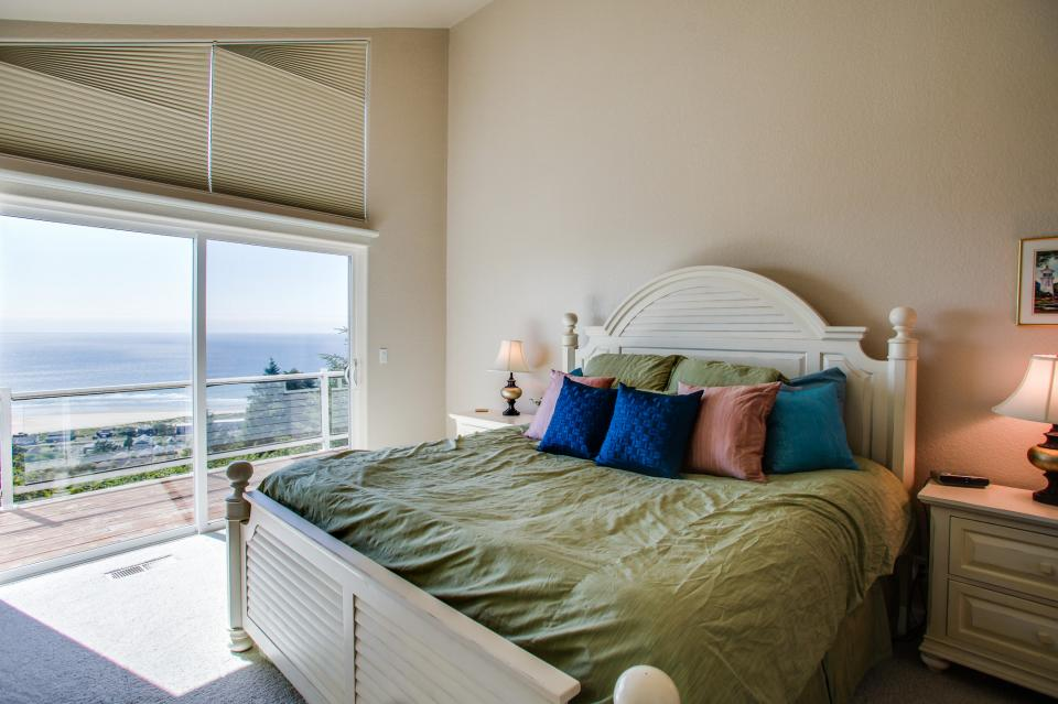 Pacific View Paradise  - Rockaway Beach Vacation Rental - Photo 17