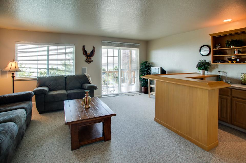 Pacific View Paradise  - Rockaway Beach Vacation Rental - Photo 24