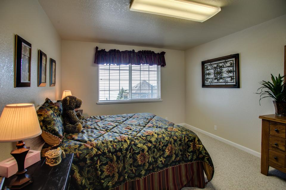 Pacific View Paradise  - Rockaway Beach Vacation Rental - Photo 26