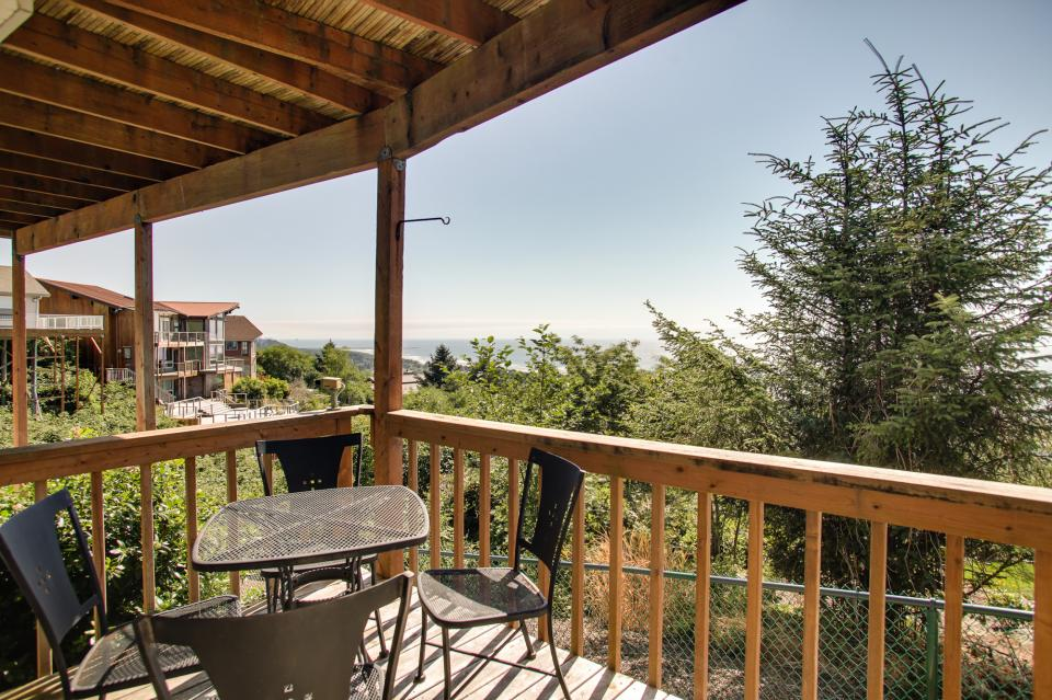 Pacific View Paradise  - Rockaway Beach Vacation Rental - Photo 29