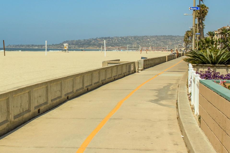 La Playa House - San Diego Vacation Rental - Photo 24