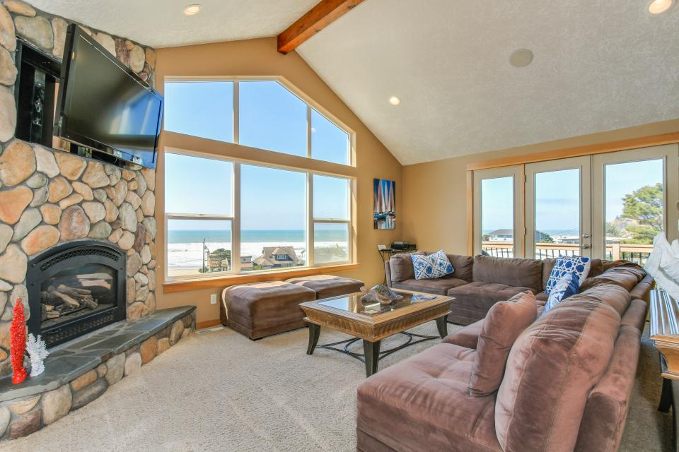 Sand Stone - Lincoln City - Take a Virtual Tour