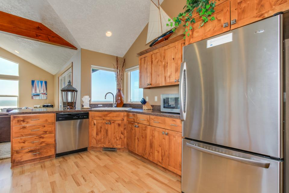 Sand Stone - Lincoln City Vacation Rental - Photo 10