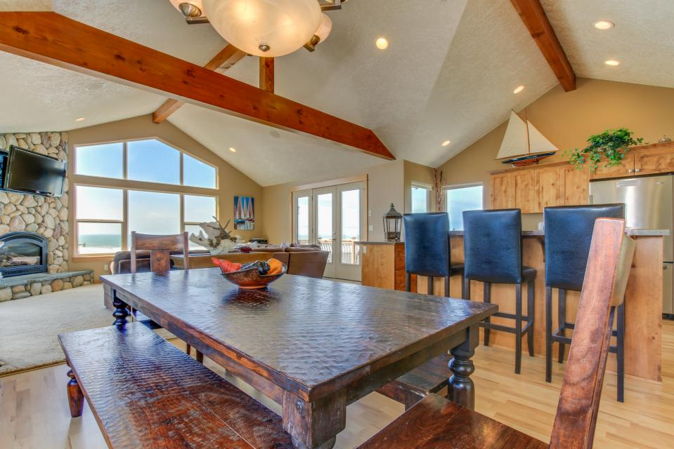 Sand Stone - Lincoln City Vacation Rental - Photo 13