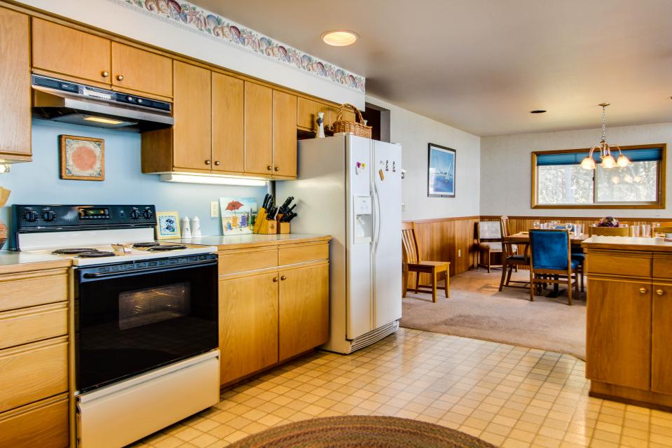 A Gathering Place - South Beach Vacation Rental - Photo 10