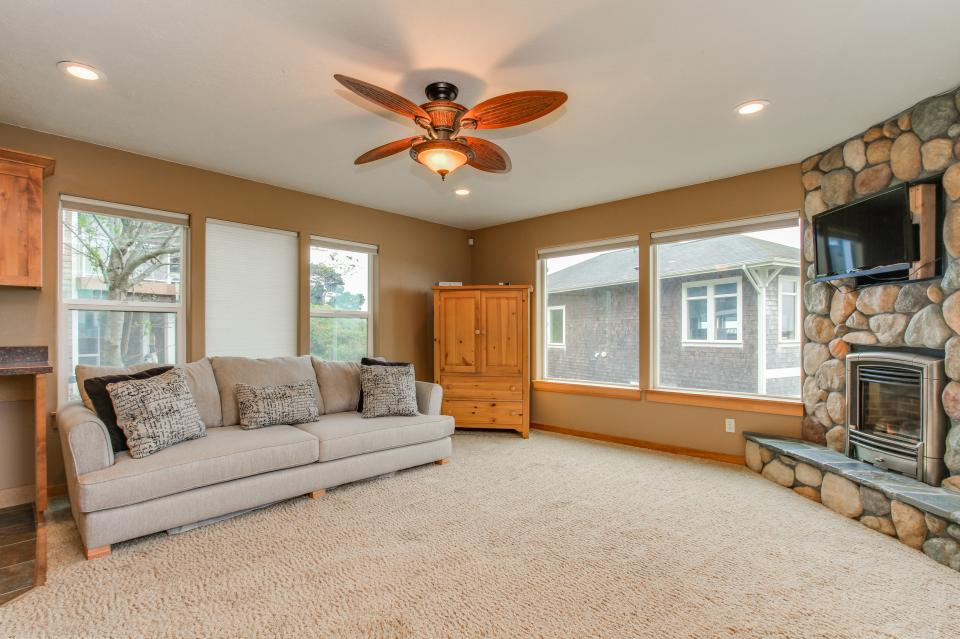 Sand Stone - Lincoln City Vacation Rental - Photo 23