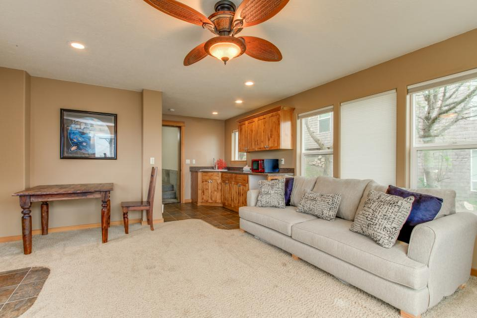 Sand Stone - Lincoln City Vacation Rental - Photo 24