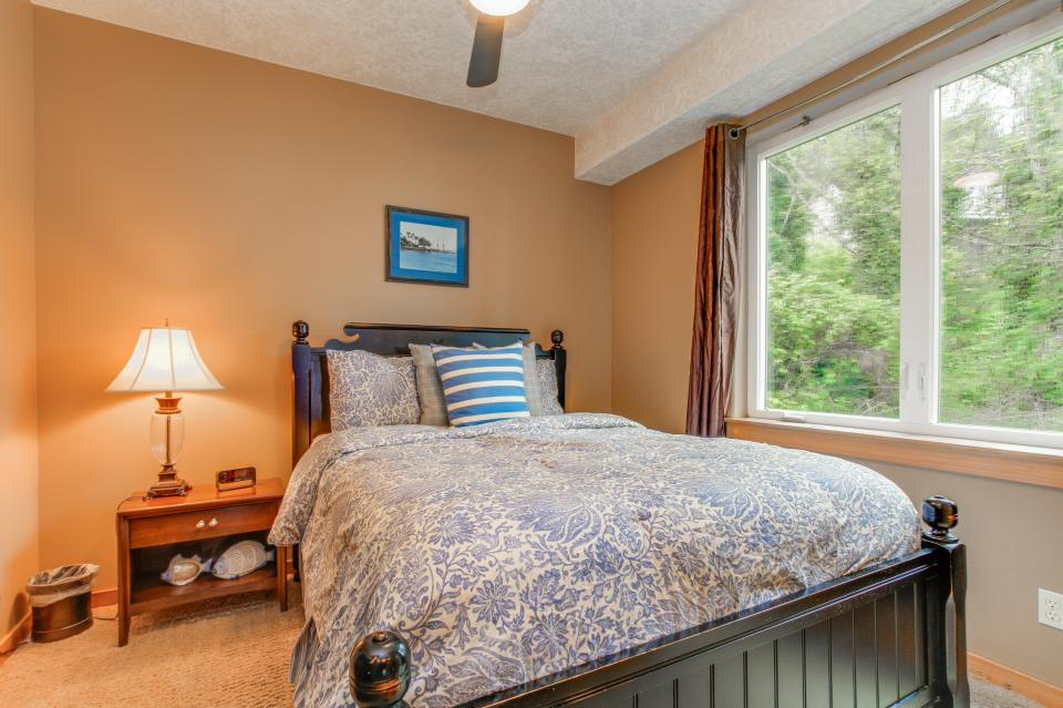 Sand Stone - Lincoln City Vacation Rental - Photo 19