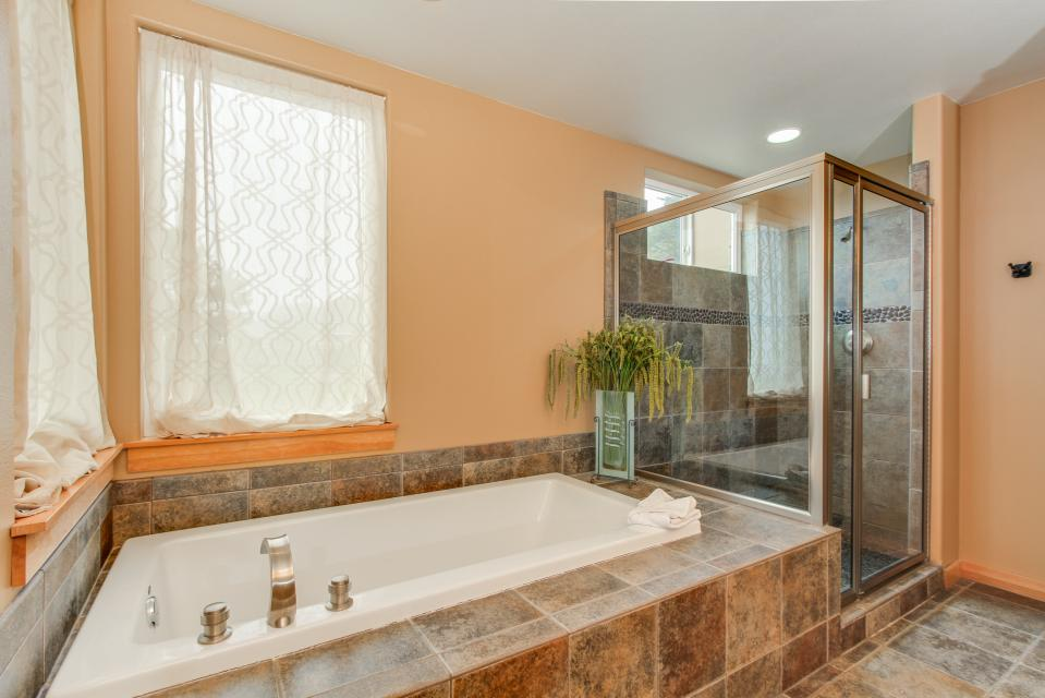 Sand Stone - Lincoln City Vacation Rental - Photo 17