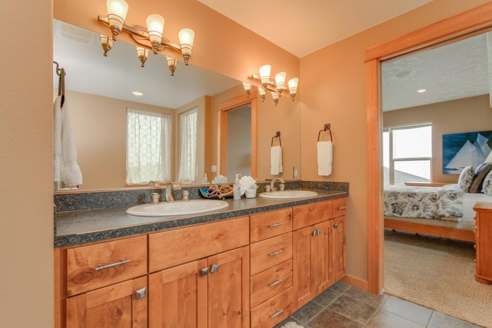 Sand Stone - Lincoln City Vacation Rental - Photo 18