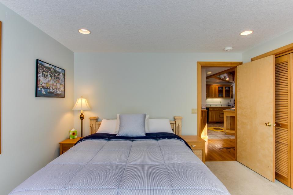 Harrison Loft - Cannon Beach Vacation Rental - Photo 18