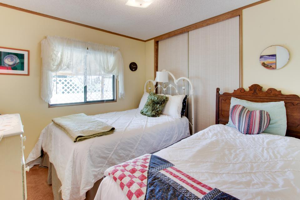 easy street rentals Welcome to easy street vacation rentals, destin, fl we are delighted that you have chosen to give us a closer look at easy street there is something for everyone whether you are a family with young children, an extended family gathering, or a couple looking for a romantic getaway, we are confident that our variety of.