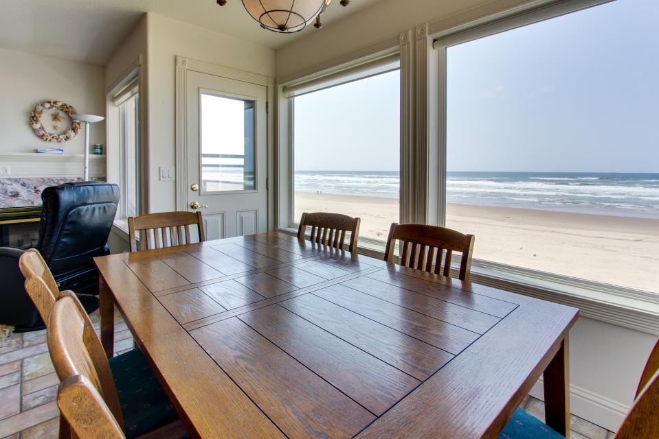 Sand Castle 2 - Rockaway Beach Vacation Rental - Photo 10