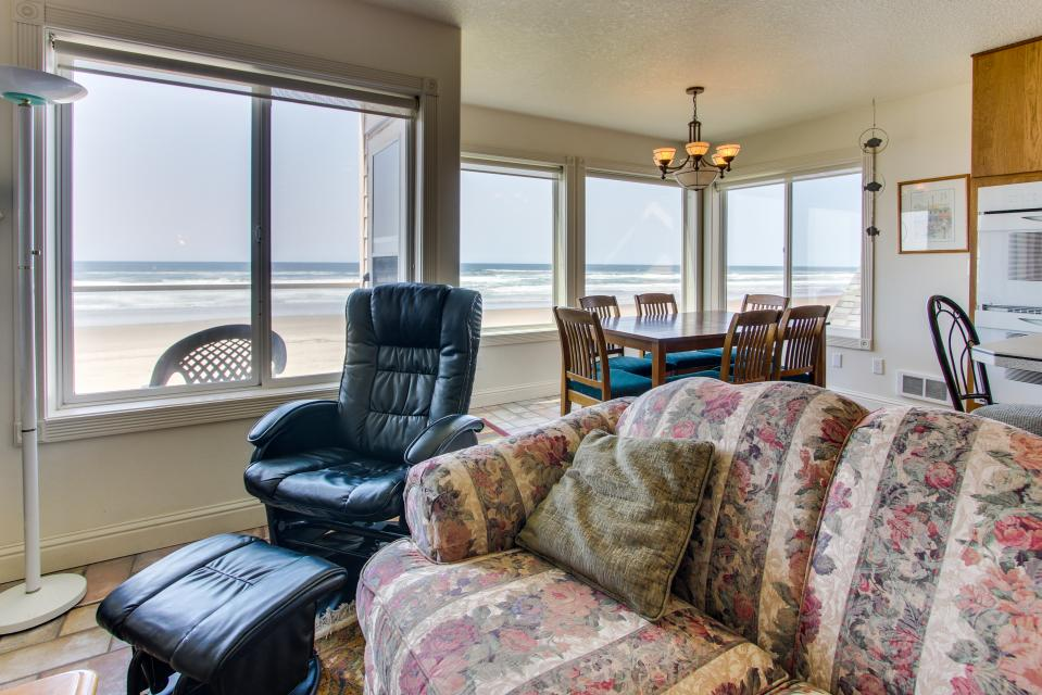 Sand Castle 2 - Rockaway Beach Vacation Rental - Photo 23