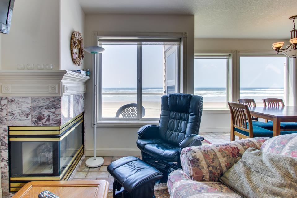 Sand Castle Villa - Rockaway Beach Vacation Rental - Photo 20