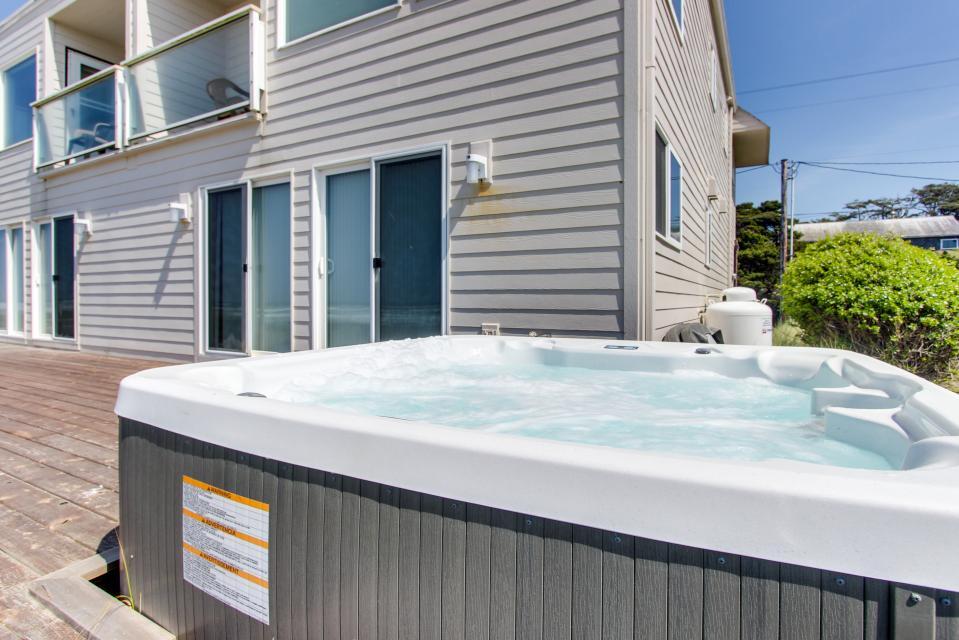 Sand Castle Villa - Rockaway Beach Vacation Rental - Photo 33