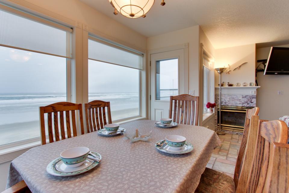 Sand Castle Villa - Rockaway Beach Vacation Rental - Photo 27