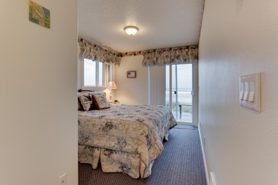Sand Castle Villa - Rockaway Beach Vacation Rental - Photo 25