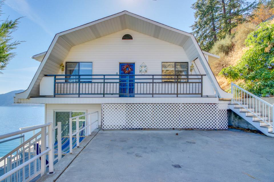 Collins Lakehouse - Chelan Vacation Rental