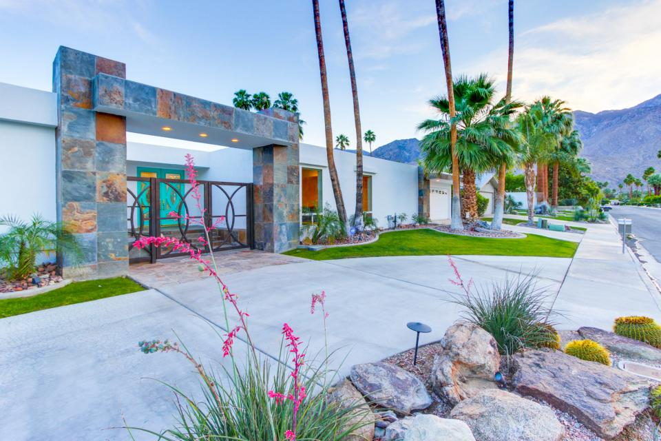 Luxurious Indian Canyons Estate - Palm Springs Vacation Rental - Photo 45