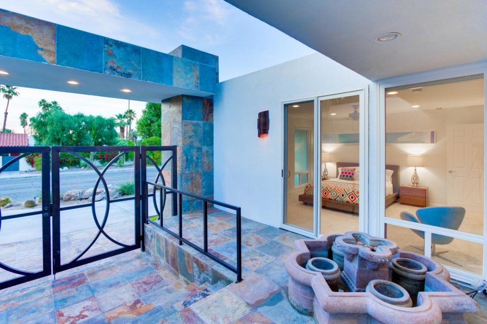 Luxurious Indian Canyons Estate - Palm Springs Vacation Rental - Photo 10