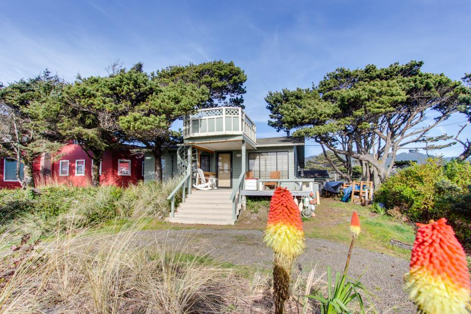 Buddy's Cottage - Rockaway Beach Vacation Rental - Photo 2