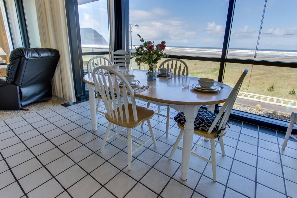 Sand & Sea: The Beachcomber (208) - Seaside Vacation Rental - Photo 3