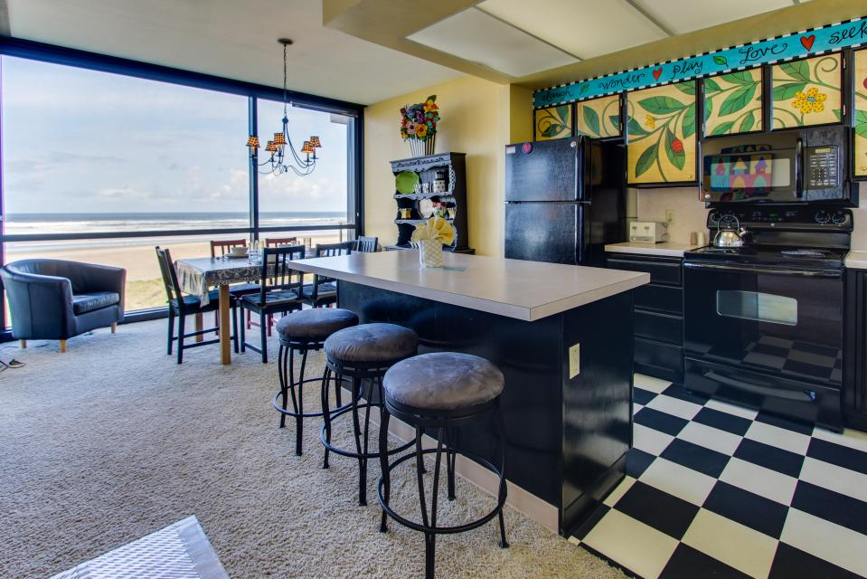 Sand & Sea: Whimsy at the Shore (408) - Seaside Vacation Rental - Photo 2