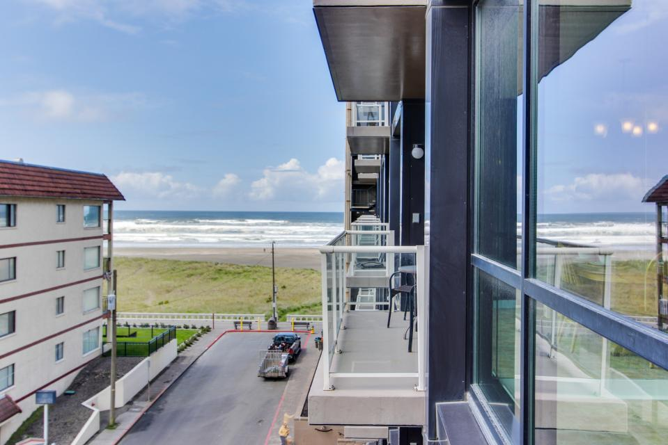 Sand & Sea: The Holladay (418) - Seaside Vacation Rental - Photo 16