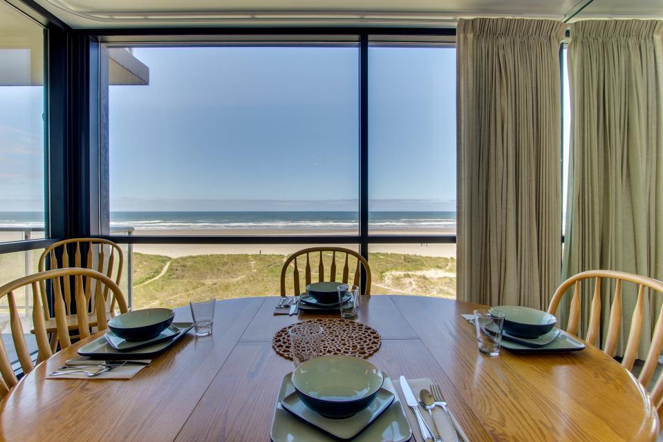 Sand & Sea: Water's Edge (402) - Seaside Vacation Rental - Photo 3