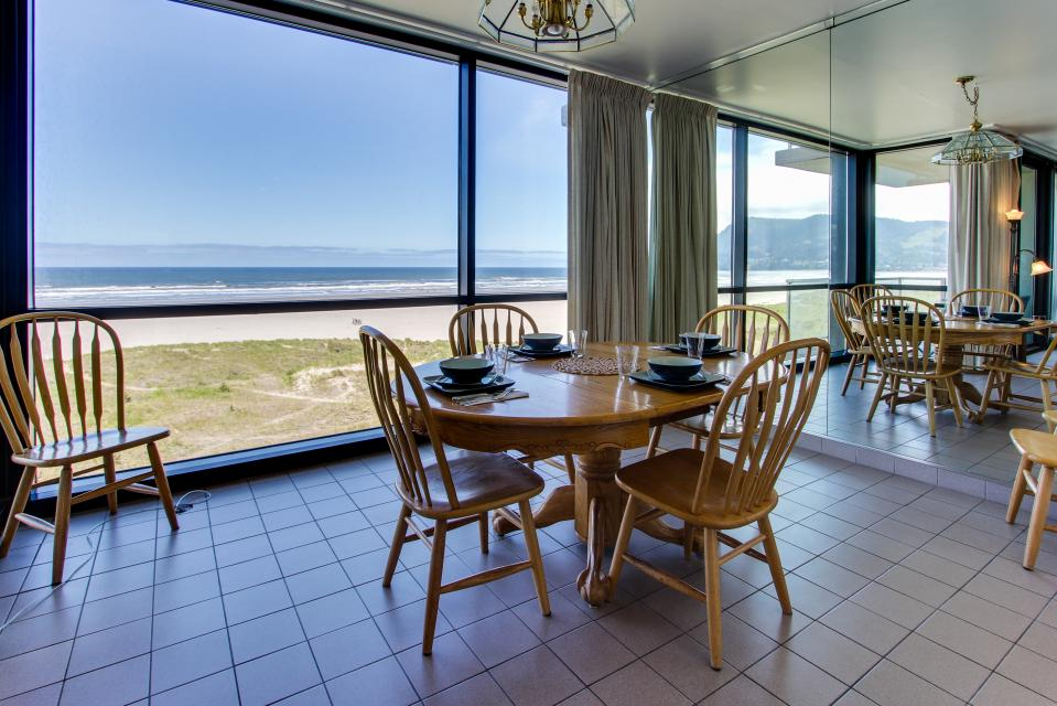 Sand & Sea: Water's Edge (402) - Seaside Vacation Rental - Photo 38