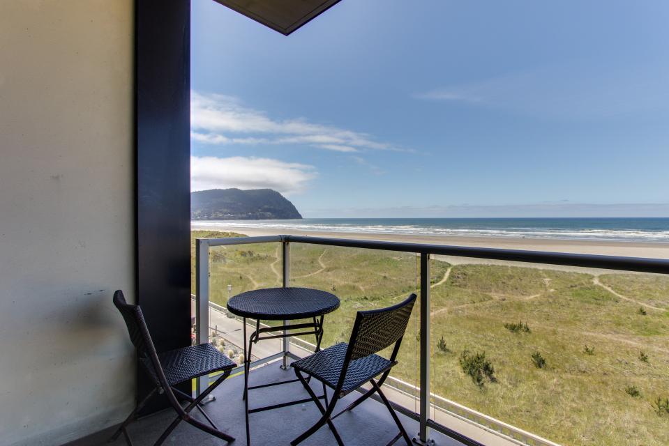Sand & Sea: Water's Edge (402) - Seaside Vacation Rental - Photo 44