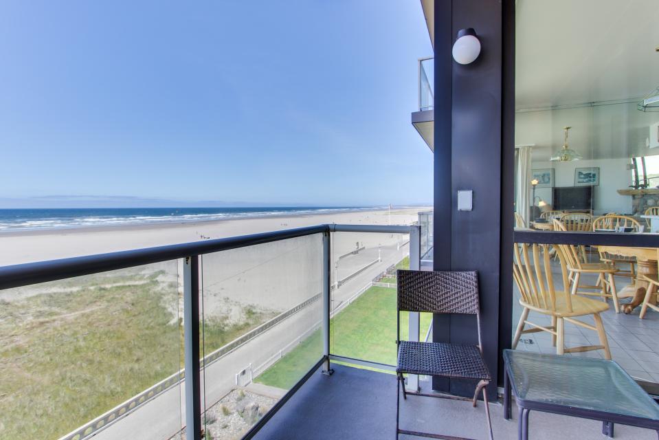 Sand & Sea: Water's Edge (402) - Seaside Vacation Rental - Photo 45