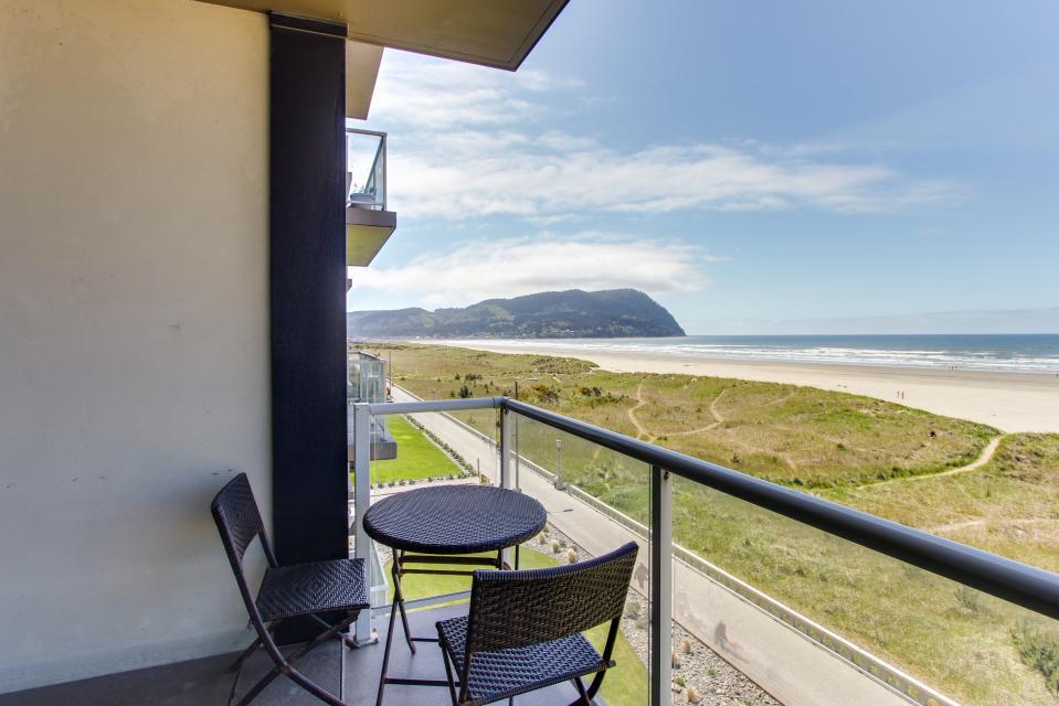 Sand & Sea: Water's Edge (402) - Seaside Vacation Rental - Photo 1