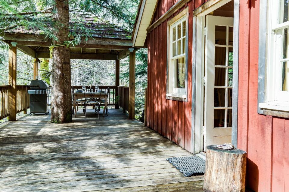 Swedish Stuga Vacation Rental - Rhododendron Vacation Rental - Photo 49