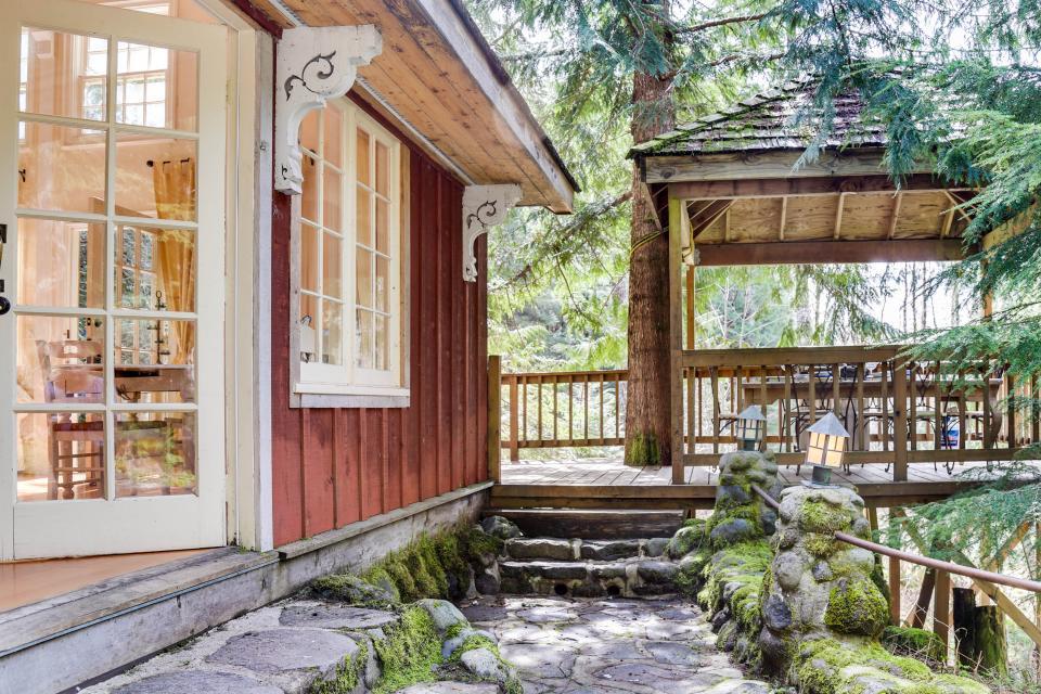 Swedish Stuga Vacation Rental - Rhododendron Vacation Rental - Photo 45