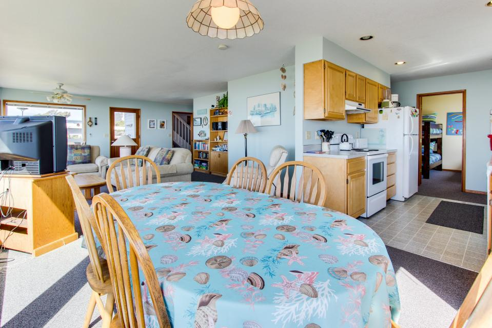 Sweethaven - 3 bedroom - Rockaway Beach Vacation Rental - Photo 15