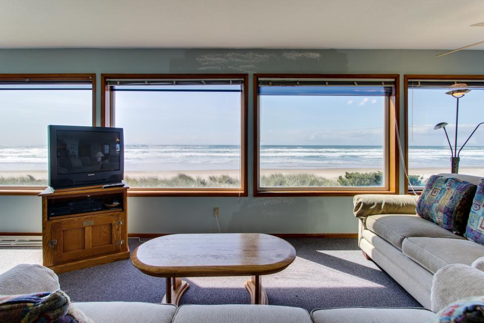 Sweethaven - 3 bedroom - Rockaway Beach - Take a Virtual Tour