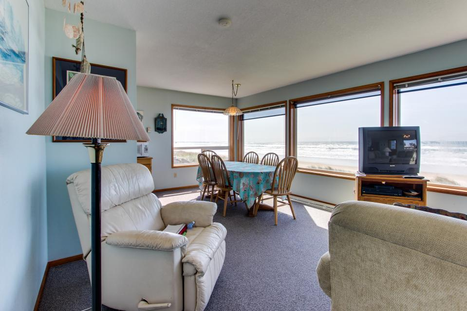Sweethaven - 3 bedroom - Rockaway Beach Vacation Rental - Photo 19