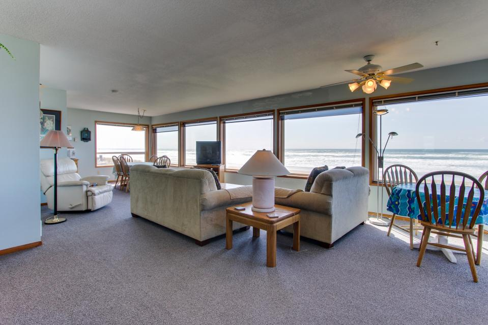 Sweethaven - 3 bedroom - Rockaway Beach Vacation Rental - Photo 4